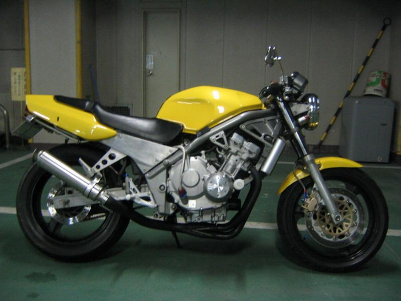 honda cb 400 желтая